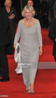 LONDON, ENGLAND - NOVEMBER Camilla, Duchess of Cornwall attends the screening of Hugo as part of the Royal Film Performance at Odeon Leicester Square on November 2011 in London, England. (Photo by Ferdaus Shamim/WireImage) Camilla Duchess Of Cornwall, Duchess Of Cambridge, Windsor, Royal Films, British Monarchy History, Camilla Parker Bowles, Hm The Queen, Royal Clothing, Herzog