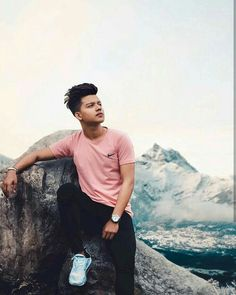 Cool hot pics of riyaz Photo Poses For Boy, Cute Boy Photo, Boy Poses, Mens Poses, My Cute Love, Photoshoot Pose Boy, Stylish Photo Pose, Handsome Celebrities, Crush Pics
