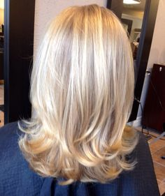 Soft layered with medium blond color . Soft layered with medium blond color . The post Soft layered with medium blond color . appeared first on Frisuren Blond. Medium Hair Styles, Curly Hair Styles, Hair Medium, Bride Hairstyles, Hairstyle Ideas, Easy Hairstyles, Shoulder Length Hair, Shoulder Dress, Great Hair