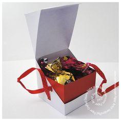 FREE PDF STUDIO diaganol opening cube square gift treat box favour Medidas aproximadasda Caixa: 7 x 7 x 7 cm. Dentro da caixa cabem 4 bombons Sonho de Valsa. O projeto já esta nas medidas para uso não necessitando de nenhuma alteração ou ajuste. Não acompanha a arte, molde limpo para que você insira o tema da sua preferência.