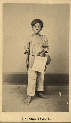 1868 Albert Honiss cartes-des-visites of a lottery ticket boy (ctto) Barong Tagalog, Philippines Culture, Filipino Culture, Filipiniana, Pinoy, Historical Photos, American History, Vintage Photos, Nostalgia
