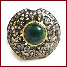 #Vintagering #VIctorianring #Emeraldring #Antiquering