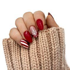 Christmas Gel Nails, Xmas Nail Art, Holiday Nails, Snow Nails, Winter Nails, Winter Nail Designs, Christmas Nail Designs, Snowflake Nails, Chic Nails