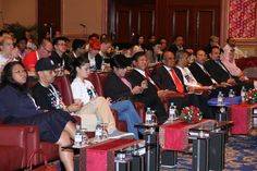 World Bloggers ad Social Media Summit. It was a full house with @lisasurihani @aznilnawawi leading from the front