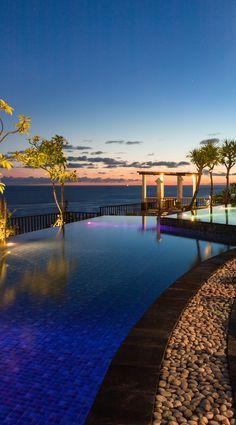 33 Stunning Photos of Bali's Most Beautiful Luxury Beachside Resort - Sunset