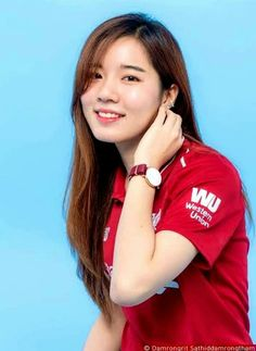 Liverpool Girls, Liverpool Fans, Liverpool Football Club, Liverpool Wallpapers, Soccer Fans, Sport Girl, Female, Keyboard