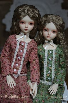 My inseparable twins Cinna & June. MYou Delia, styling, dresses and FU by ResinRapture ResinRapture