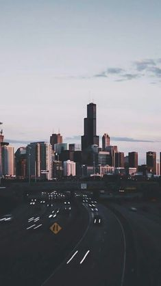 Photography city wallpaper new Ideas Iphone Wallpaper Chicago, Iphone Wallpaper Lights, City Lights Wallpaper, Travel Wallpaper, Wallpaper Backgrounds, News Wallpaper, Travel Photographie, City Aesthetic, Nature Aesthetic