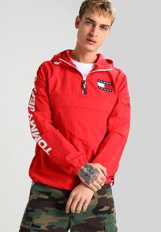 #Robert's #Style #Street #Red #RedClothing #Fashion #Look #Men #Outfit #Moda #Verano #Tendencia #Hombre #Caballero #Tienda #Ropa