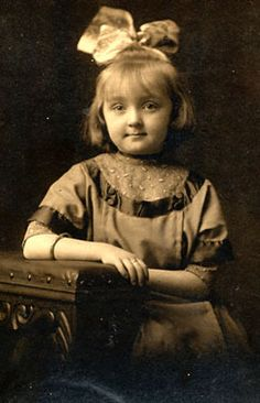 +~+~ Antique Photograph ~+~+   She's such a cute little whipper snapper!