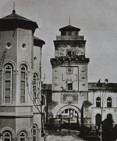 """Turnul Colței, demolat in Sursa: """"Bucureștii lui Carol I"""", Editura… Capital Of Romania, Little Paris, Bucharest Romania, Old City, Beautiful Buildings, Old Pictures, Time Travel, Big Ben, Military"""