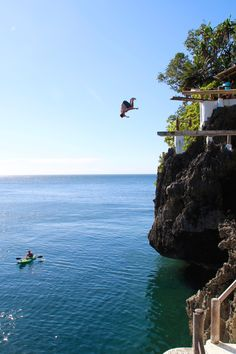 Best Things to do in Boracay: Ariel's Point Cliff Diving
