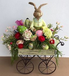 Bring in the joy of Easter & Spring in your home with some easy and Beautiful Easter Decorations. Here are the best DIY Easter deocr ideas you can do easily Easter Flower Arrangements, Easter Flowers, Floral Arrangements, Easter Projects, Easter Crafts, Easter Ideas, Bunny Crafts, Kids Crafts, Craft Projects