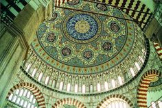 Interior View of Selimiye Mosque - Edirne , Turkey Photo : Arkeolog ( vitualtourist.com )