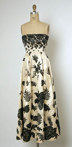 Silk evening ensemble consisting of a strapless dress and bolero jacket ~ in silk with appliqued Chantilly lace motifs ~~ late 1940s ~ Who wouldn't wear this today?