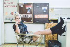 Laundrymat photoshoot #ideashooting #portrait #laundry #laundrymate #fashion #woman #shooting Laundry, Photoshoot, Woman, Portrait, Home Decor, Fashion, Photography, Laundry Room, Moda