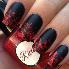 ongles-mat-nail-art-beau-dessin-sur-ongles-matte-idée-en-noir-et-rouge.jpg (700×700)