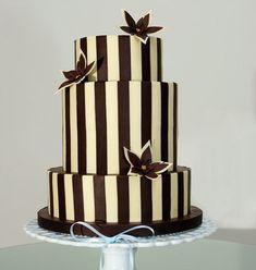 Google Image Result for http://my-weddingdream.com/wp-content/uploads/2010/09/wedding-cakes-21.jpg