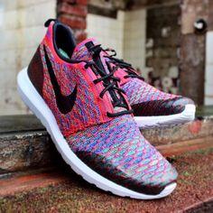 New multicolor Flyknit #nike @nikesportswear #flyknit #multicolor #brightcrimson #roshe #rosheone #rosherun #tape #sneaker #sneakerblog #sneakergirl #sneakerhead #instakicks #kicksonfire #kicks #chicksinkicks #hypebeast #huarache #hype #racer #trainer #sport #gym #followme #followus #blog #3komma43