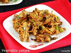 Pakora recipe using mix vegetables. One of the delicious varieties of Indian pakora recipe made as a tea time snack or a party appetizer. Raw Food Recipes, Vegetable Recipes, Indian Food Recipes, Asian Recipes, Snack Recipes, Veg Pakora Recipe, Pakora Recipes, Vegetable Pakora, Veggie Fritters
