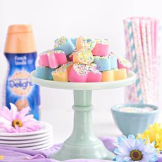Celebrate the season with this delectable Bunny Fudge Recipe made with International Delight Coffee Creamer. Easy Easter Desserts, Easter Treats, Easter Recipes, White Chocolate Macadamia, White Chocolate Chips, Fudge Ingredients, Salted Caramel Mocha, Fudge Recipes, Candy Recipes