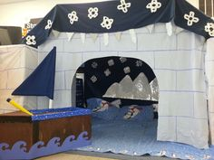 The kids would love playing in this and/or building this for the classroom! Dramatic Play Area~ Arctic Habitat / Igloo ~Photo only