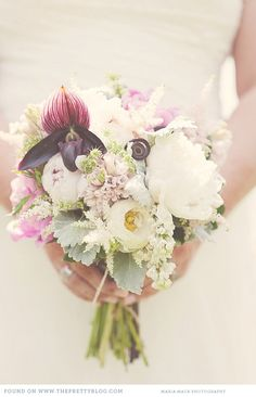 pastel bouquets. Maria Mack Photography.