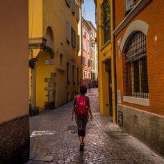 """La Vida de Viaje (@lavidadeviaje) su Instagram: """"Bologna es fresca, joven y ruidosa. Es la ciudad de las mil caras."""""""