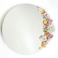 DIY and Crafty / How to Decorate a Mirror with Flowers on imgfave