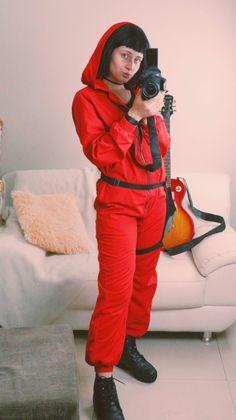 Fantasia La Casa de Papel: O que não pode faltar | Diário da Aninha Canada Goose Jackets, Winter Jackets, Costumes, Fashion, Red Jumpsuit, Fantasy Party, 1 Year, Ideas, Houses