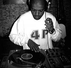 """Dia 17 de julho, a partir das 18h o DJ KL Jay se apresenta na Matilha Cultural no projeto """"FunkDogDelic"""". Kl Jay é sócio da gravadora """"Cosa Nostra"""", juntamente com o Racionais MCs, e possui um selo individual, o Equilíbrio, que já lançou os álbuns dos grupos Sistema Negro, Cagebê e Relatos da Invasão."""