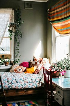 Decor with indoor plants.