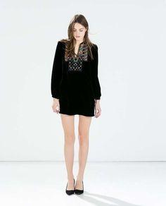 Estilo boho chic: fotos de los looks - Vestido terciopelo bordados Zara