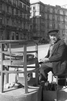 Patellani Federico fotografo, 1946  Napoli - Anziano lustrascarpe 287