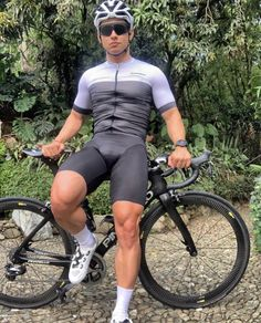 Cycling Lycra, Women's Cycling Jersey, Cycling Wear, Cycling Outfit, Cycling Jerseys, Men In Tight Pants, Latex Men, Lycra Men, Athletic Men