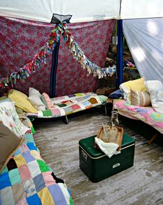 Bunkie tent with cots. Too cute, and how fun!