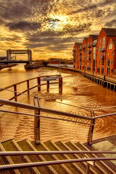 Low Tide On The River Hull