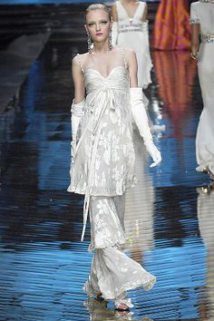 Valentino - SPRING 2008 COUTURE