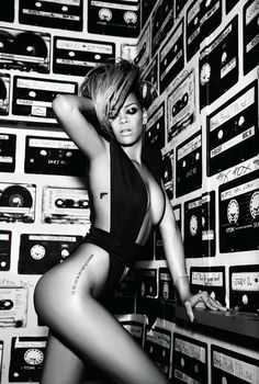 #Rhianna side tattoo. Love the placement on her hip.