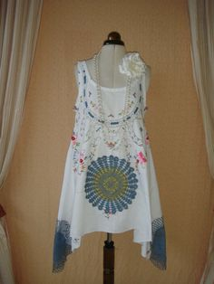 Gorgeous Vintage White Cotton Lace  Cutwork Swing Embroidered Floral Mini Dress Tunic Trapeze Top