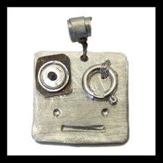 Arzilli Mostrilli: Geremia, ciondolo in argento.  Funny Little Monsters: Geremia, silver handmade pendant.