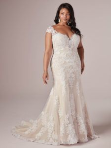 Latest Cost-Free wedding dress for curvy brides 2020 Plus Size Wedding Dress Styles for the Curvy. The current wedding dresses 2019 consists of a dozen different dresses i dresses lace curvy bride Affordable Wedding Dresses, Wedding Dresses Plus Size, Plus Size Wedding, Cheap Wedding Dress, Wedding Dress Styles, Prom Boutiques, Curvy Bride, Curvy Dress, Maggie Sottero