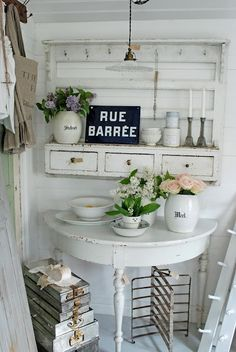 Chic Kitchen Decoration 40 Amazing Shabby Chic Country Kitchen Decorating Ideas for 2019 26 - HomeCoach Cocina Shabby Chic, Muebles Shabby Chic, Shabby Chic Cottage, Shabby Chic Homes, Shabby Chic Style, Shabby Chic Decor, Rustic Cottage, Cottage Ideas, Shabby Chic White