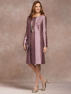 Talbots Aisle Style, new collection looks classic and very wearable (except for the ugly shoes here) Mother Of The Bride Fashion, Mother Of Bride Outfits, Mother Bride, Petite Dresses, Elegant Dresses, Hijab Fashion, Fashion Dresses, Aisle Style, Mom Dress
