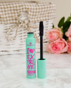 Essence I Love Extreme Curl & Volume Mascara Essence Cosmetics, Mac Cosmetics, Free Mac Samples, Volume Mascara, Beauty Routines, Fashion Jewellery, Vintage Shops, Diamond Jewelry, Curls