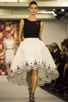 Oscar de la Renta's Spring / Summer 2015 collection - laser lace effect hem of skirt