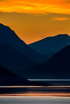 sunset in the north of norway: anders hanssen.