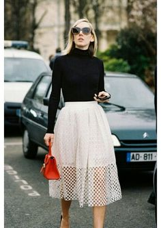 Falda sobre falda y la cafarena negra