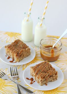 OOh, caramel and apples together in a yummy cake!  Caramel Apple Coffee Cake - by Glorious Treats