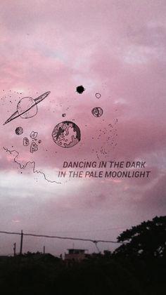 Dançando no escuro no luar pálido